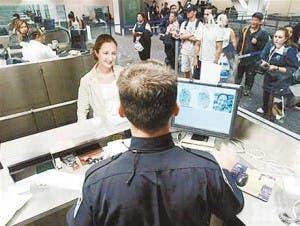 EEUU inicia plan fichar visitantes extranjeros