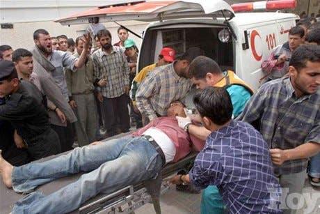 Ejército israelí mata a 17 palestinos y hiere a decenas en Rafah