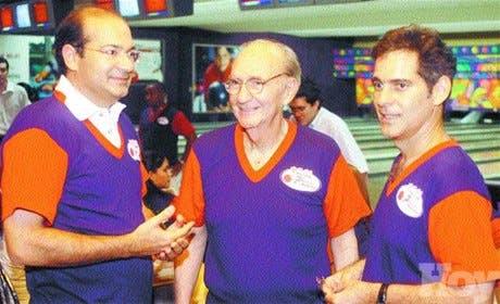 "Pinturas Tropical patrocina torneo de boliche ""Haché 2004"""