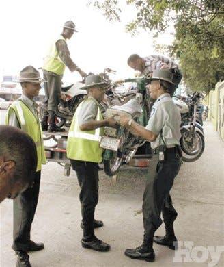 Arrestan a infractores de tránsito
