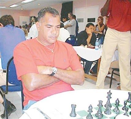 Ramón Mateo triunfa; <BR>está dominando torneo de ajedrez