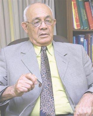 Un médico expone su versión sobre <BR>acontecimientos nacionales