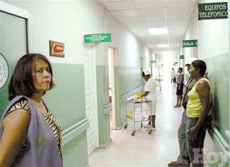 Limpian el hospital Darío Contreras