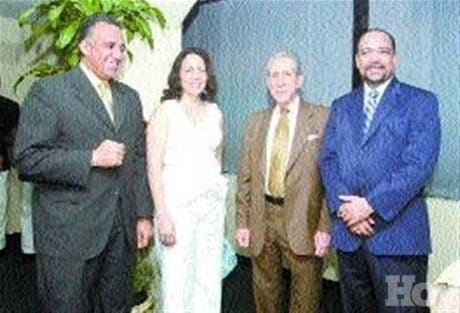 http://hoy.com.do/image/article/32/460x390/0/FBD6F0DB-33E9-4AB6-B1FE-EE3B4198C327.jpeg