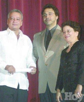 Coro Nacional reconoce a miembros y ex directores