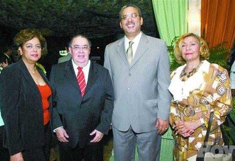 http://hoy.com.do/image/article/50/460x390/0/216E01A6-BA67-4352-9EBE-6547A5BEDA06.jpeg