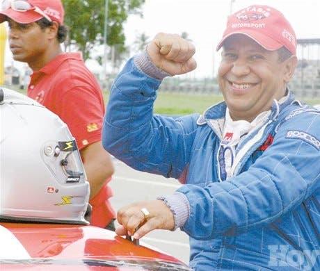 Perozo gana categoría GTS autos