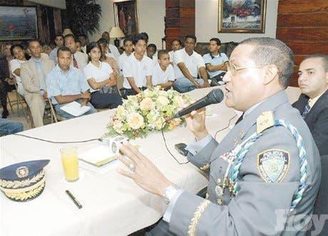 http://hoy.com.do/image/article/204/460x390/0/C4A35AC5-FF45-4EE2-B2B7-9503097B7974.jpeg
