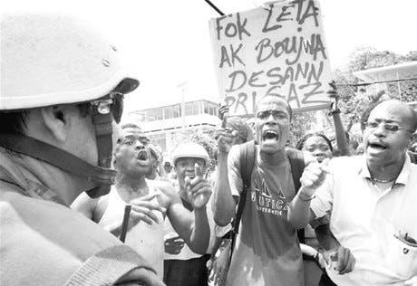 Marcha termina en tiroteo Haití