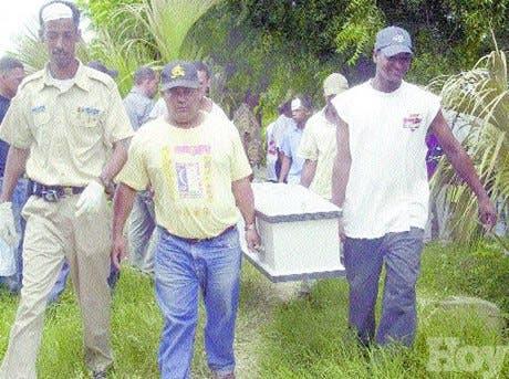 Degüellan haitianos en Hatillo Palma