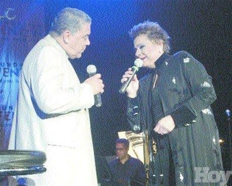 Carlos Alfredo, Lucecita y Danny hacen concierto a beneficio de la Fundación Fenton
