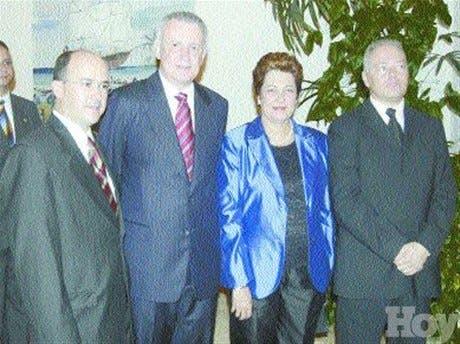http://hoy.com.do/image/article/58/460x390/0/AC1690EC-357C-435B-B635-820B5546FEF2.jpeg