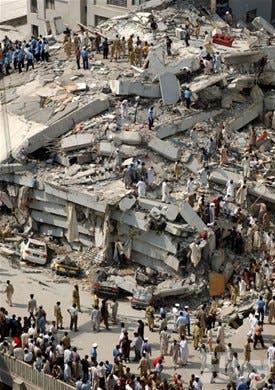 Miles de muertos por sismo en zona fronteriza de India y Pakistan