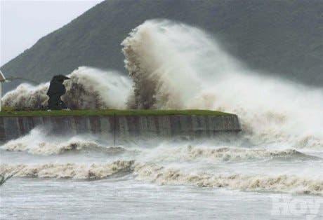 Once muertos y un millón de evacuados por tifón «Chanchu»