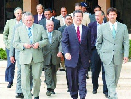 Presidente viajó ayer a Colombia