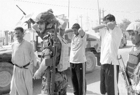 IRAK <BR><STRONG>Ola violenta deja más de 90 muertos</STRONG>