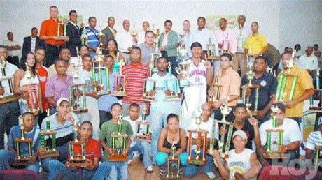 San Juan campeón <BR><STRONG>Bautista destaca éxito de tercera versión Juegos</STRONG>