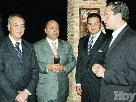 http://hoy.com.do/image/article/331/460x390/0/2D655D53-BE55-461D-B254-930A4E55C18D.jpeg