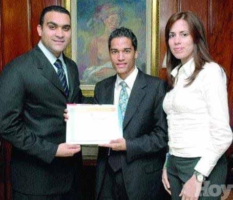 http://hoy.com.do/image/article/332/460x390/0/D4CC2C8E-2B46-4BD3-8180-980D1760E057.jpeg