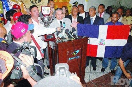 http://hoy.com.do/image/article/331/460x390/0/E3012C95-2B4D-45C1-8FA6-55979732CECA.jpeg
