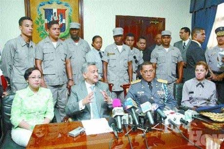 http://hoy.com.do/image/article/330/460x390/0/E32F0DBC-CEAC-4830-AE22-6D535BE2C883.jpeg