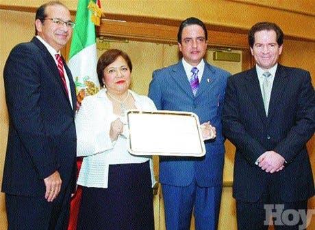 http://hoy.com.do/image/article/304/460x390/0/3CABA1D7-8E60-4084-9243-F17520A81189.jpeg