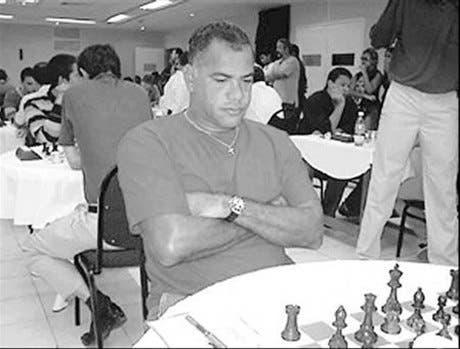 Ramón Mateo logra título de Gran Maestro en ajedrez