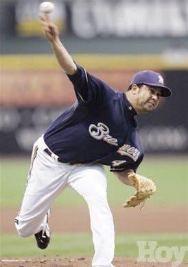 Los pitchers dominicanos han sido el alma de Milwaukee