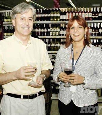 Presentan variedad de vinos en feria