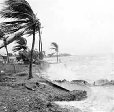 Analizan paso huracanes por RD y P. Rico