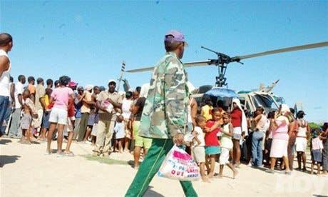 Al menos diez comunidades de Azua permanecen aisladas