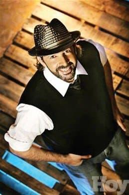 Juan Luis Guerraelegido<BR>héroe de la música del mundo