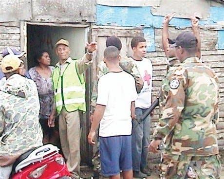 <P>Lluvias destruyen y dañan<BR>viviendas en Moca y SFM</P>
