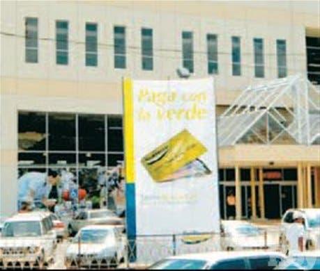 <P><STRONG>Eco menú<BR></STRONG>Arias Motors dona chalecos<BR>reflectivos a la Defensa Civil</P>
