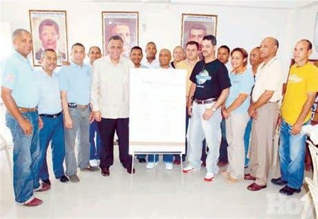 http://hoy.com.do/image/article/135/460x390/0/EFCA60EF-F95D-4534-A15C-392ED9868BBC.jpeg
