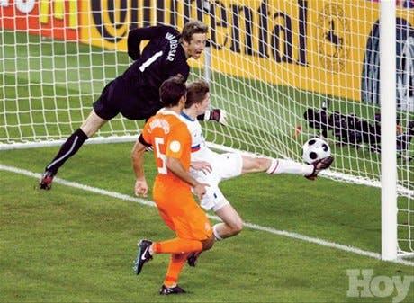 Rusia sorprendió al vencer a Holanda