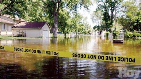 """Ciudad de San Luis se salva de """"milagro"""" de inundación por crecida de río Misisipi"""