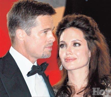 <STRONG>Bambalinas<BR></STRONG>Angelina Jolie dio a luz a sus esperados mellizos; venden las primeras fotos en US$11 millones
