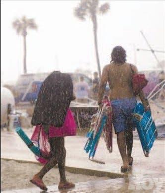 """Bertha"" avanza; vigilan onda tropical"