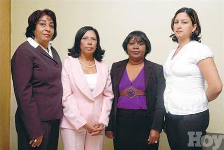 Distinguen empleadas secretaría Hacienda