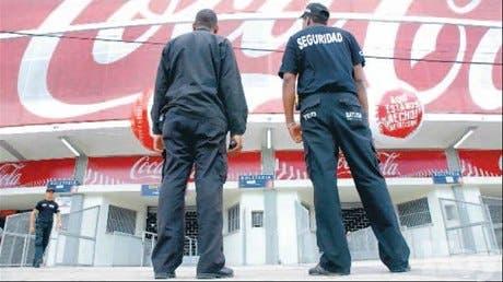 Peloteros GC sienten temor; la PN protegió autobús club