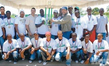 Caballona gana torneo béisbol con el apoyo de la empresa Viva