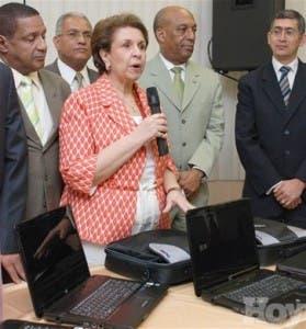 http://hoy.com.do/image/article/418/460x390/0/8FCB6173-A772-4126-AC21-E0981B687FA1.jpeg