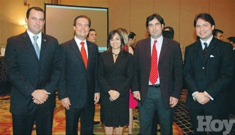 http://hoy.com.do/image/article/477/460x390/0/56D3B327-A119-4932-98DB-2152E83239C3.jpeg