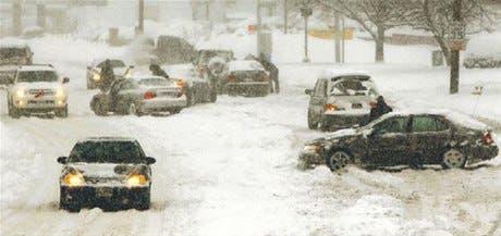 Clima hostil golpea a Estados Unidos; van 23 muertos