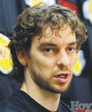 Howard intimida a los Rockets