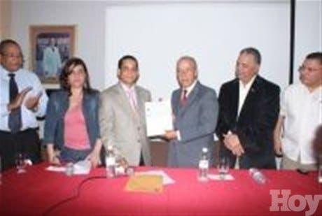 http://hoy.com.do/image/article/476/460x390/0/DB6CE10E-6100-405E-BF24-E48F48A50E51.jpeg
