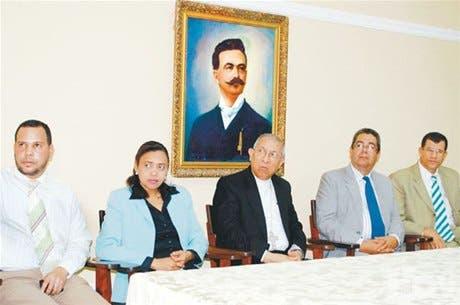 http://hoy.com.do/image/article/487/460x390/0/8A5275B3-B22F-4A67-AE94-70693D6742C6.jpeg