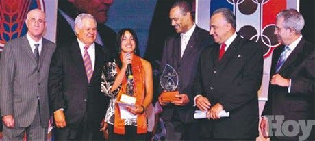 """<STRONG>CENA OLÍMPICA</STRONG><BR>Brenda Castillo<BR>Fue electa la """"Atleta del Año"""" por el Comité Olímpico"""