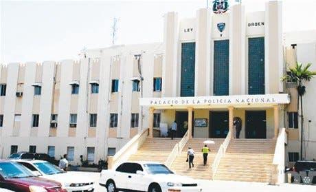 Policía cancela a cuatro oficiales Baní por liberar a presunto narco